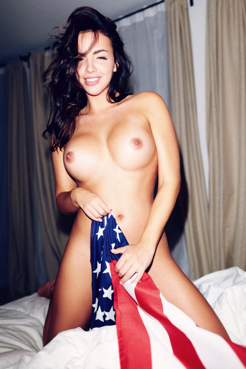 pussy closed by American flag