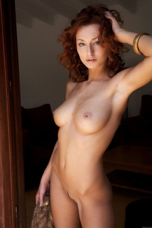 Red-head slut is waiting for a meeting