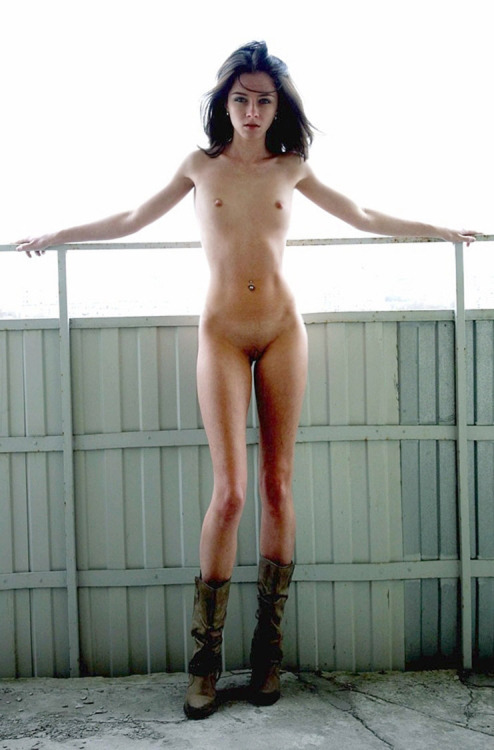 Naked skinny girl posing bravely meet all the winds
